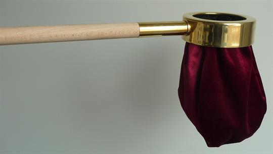 Klingelbeutel, schwarz mit Holzstab