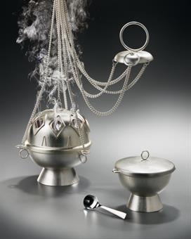 Rauchfass mit Schiffchen , versilbert