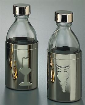Wein- und Wasserbehälter, Glas mit Metallummantelung