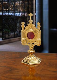 Klassisches Reliquiar, vergoldet