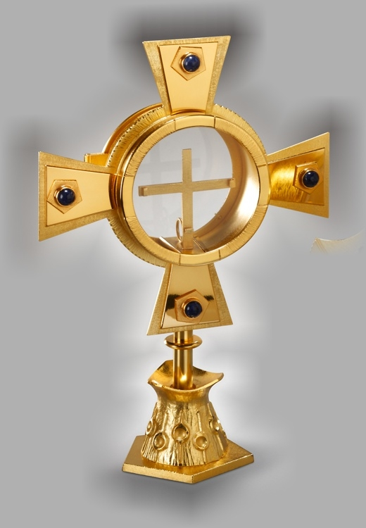 Kleinmonstranz, Messing vergoldet, mit Strahlenkranz  Höhe ca. 34 cm, Breite 23 cm